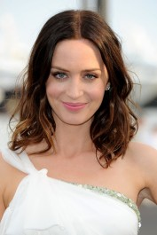 Emily-Blunt-Pictures-HD