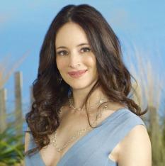 "REVENGE - ABC's ""Revenge"" stars Madeleine Stowe as Victoria Grayson. (ABC/BOB D'AMICO)"